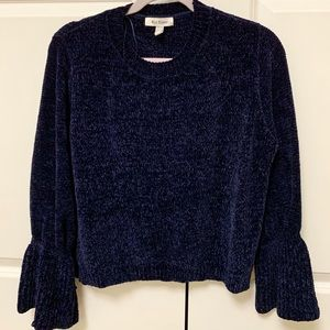 Sweater Bell Sleeved
